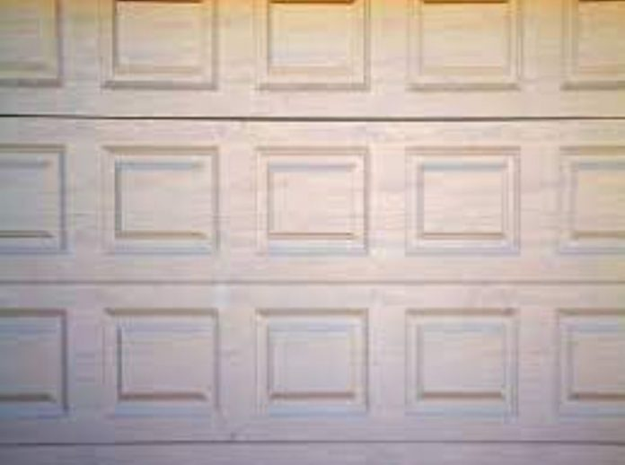how-to-maintain-garage-door